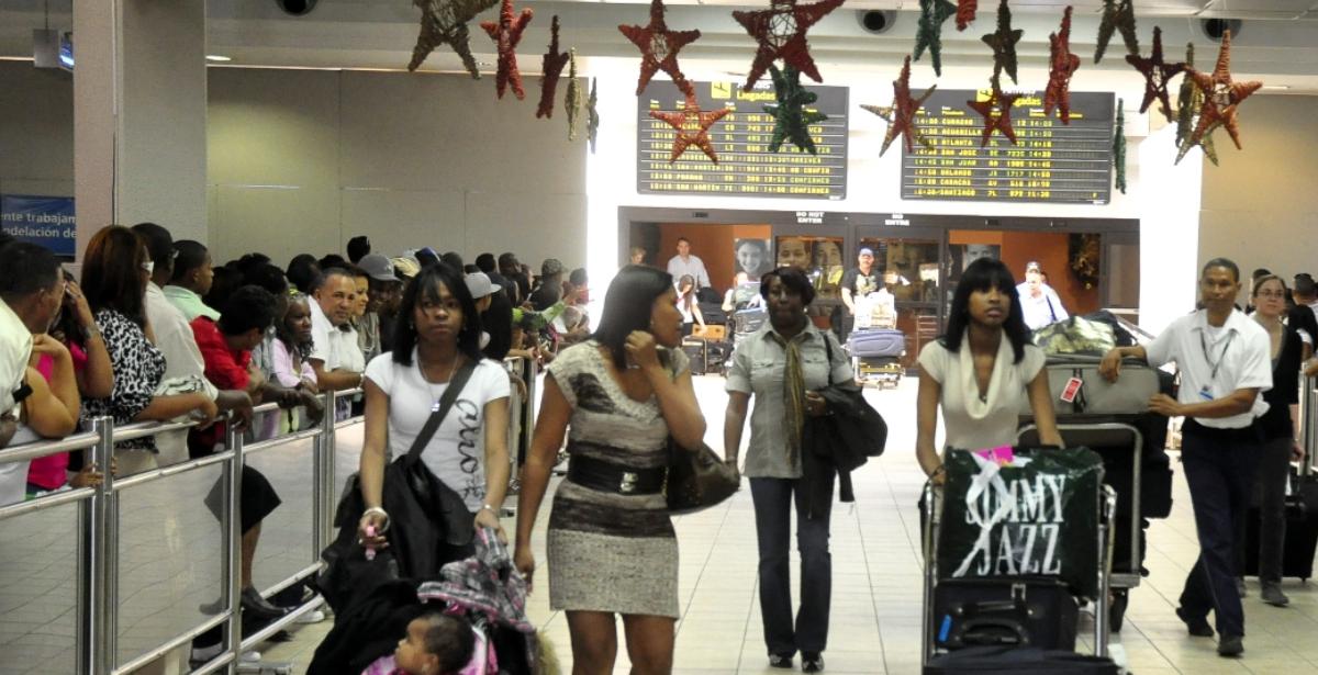 Aeropuerto Internacional de las Américas (AILA) aumenta las pruebas aleatorias de covid-19