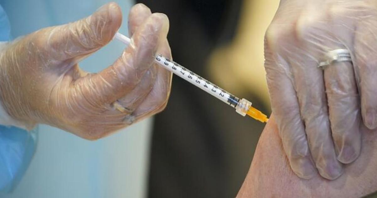 Gobierno recibe hoy más de un millón de vacunas procedentes de China