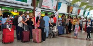 Investigan a 15 personas tras intentar viajar con pruebas PCR falsas